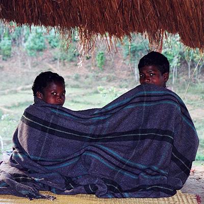 """ד""""ר דניאל נוה – מה ניתן ללמוד על חינוך ילדנו מאנשי הניאקה מיערות הגשם של הודו?"""